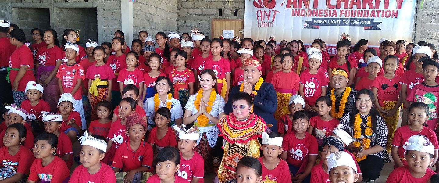 Advan Gelar Inaguration Day Life Center Ant Charity  di Gianyar