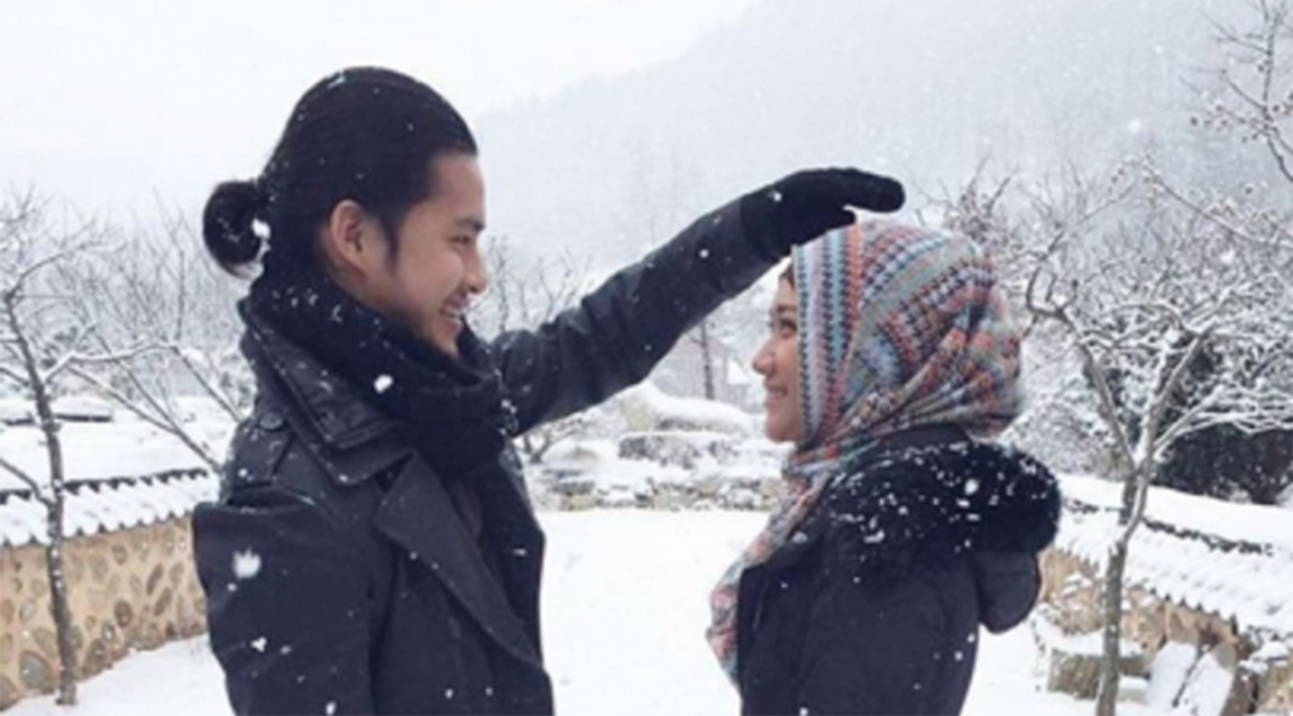 Sinopsis Film Jilbab Traveller Love Spark in Korea